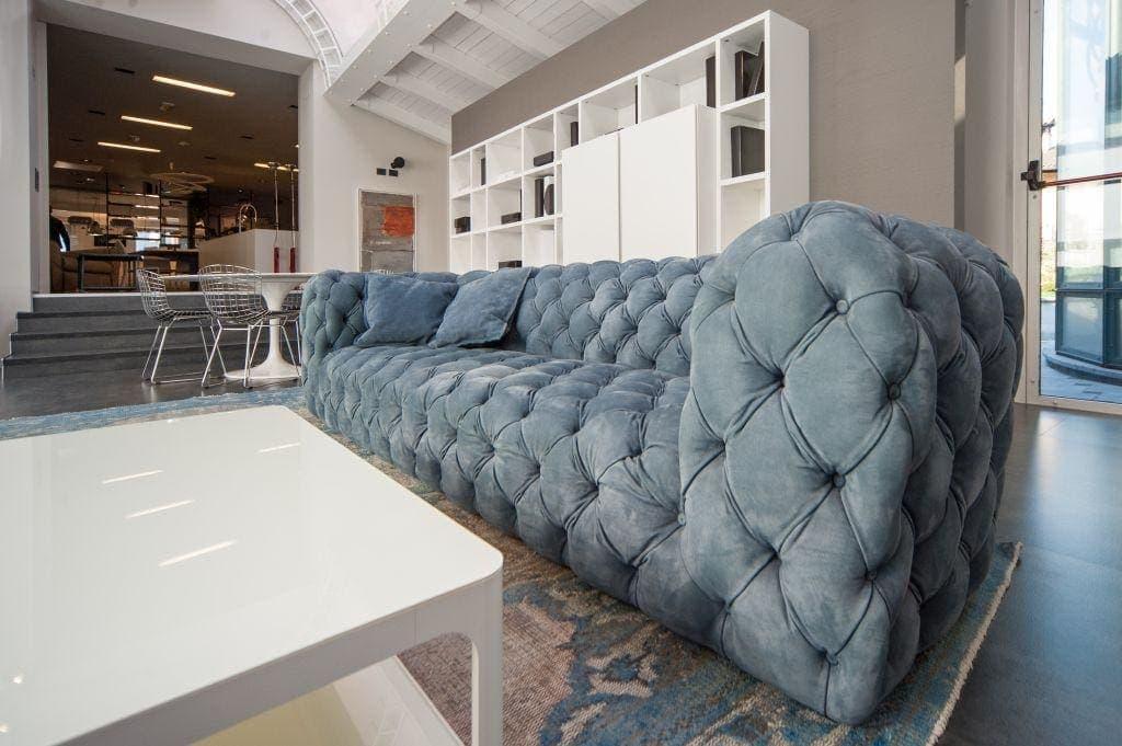 Chesterfield divani brescia elegante for Vendita online divani