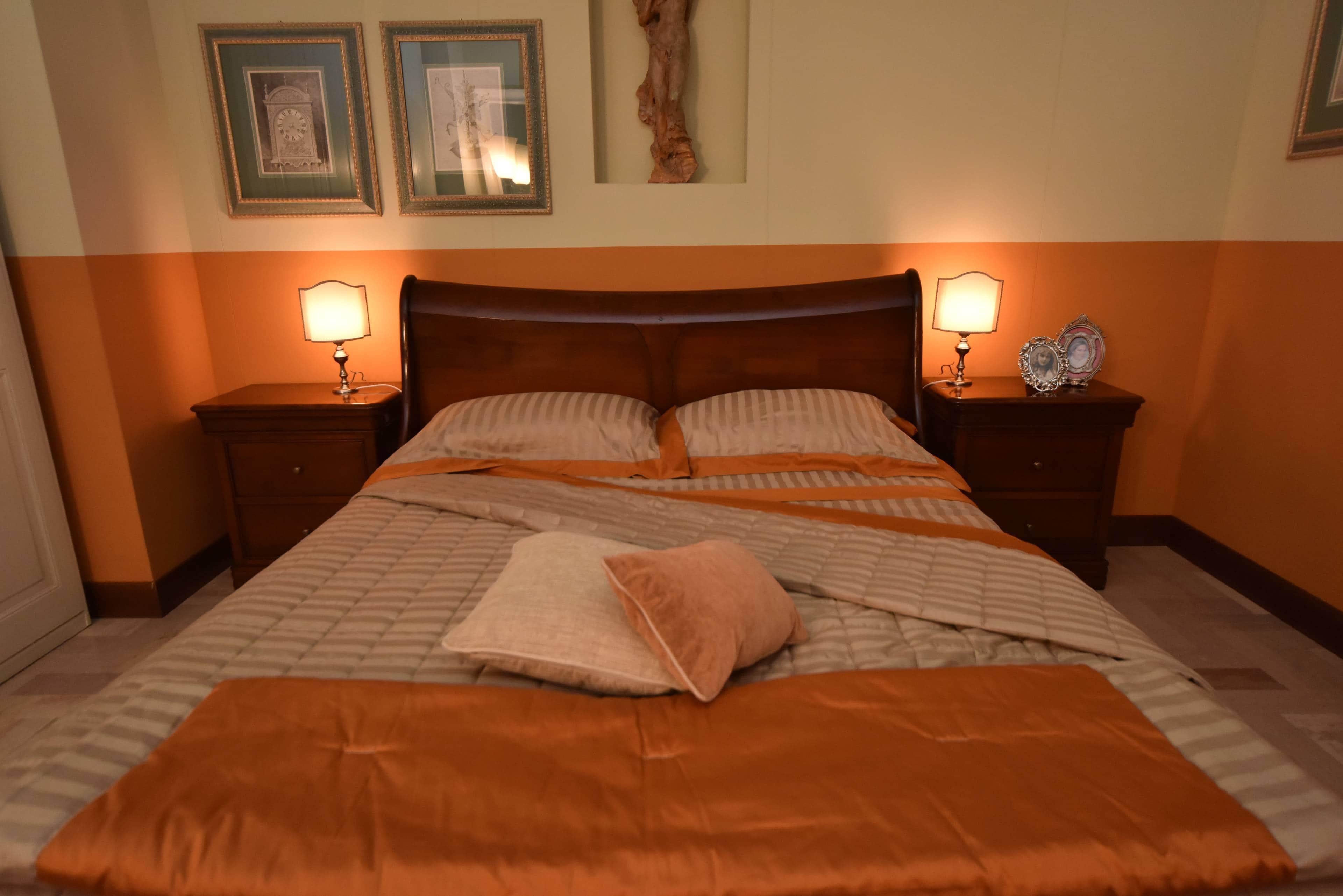 Grande arredo camera da letto claudine outlet mobili classici - Camera da letto grande ...