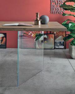 Tavolo Tudor base in vetro